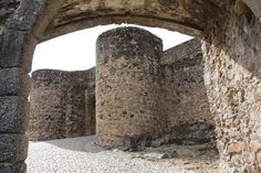 Historic Package - from 132.00€ per person The package includes: Two nights lodging, in half board regime Water and luxury amenities on arrival Visit to the Ammaia Roman City Visit to the Castle and Museum of Marvão Delivery of touristic information to visit Castelo de Vide (Jewish Quarter, Castle). Delivery of touristic information for the visit to the City of Portalegre, with visit to the Portalegre Tapestries Museum #Marvao #Alentejo #Portugal #Travel #BoutiqueHotelPoejo