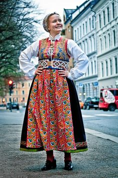 Pernille Abelone i bunad fra Fusa. Travel Clothes Women, Clothes For Women, Folk Costume, Costumes, Long Flight Tips, Dress Outfits, Dress Up, Travel Essentials For Women, Folk Clothing