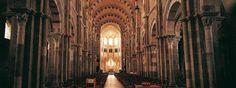La Basilica Sainte Madeleine, chiesa monastica del XII secolo è un capolavoro dell'arte romanica #UnaSettimanaUnSito #ViaggiFrancia #RDVFrance #PatrimonioMondialeUnesco #Unesco
