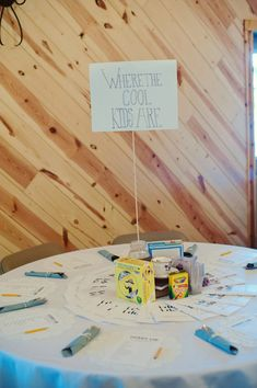 Such a cute idea for a kids' table!