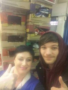 | Louis in Sheffield yesterday  at Rita's Pantry with Helen Doxey Bilgic  November 25th, 2016 • (via facebook/@LouisT91Updates)