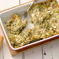 Spinach Alfredo, Alfredo Lasagna, Spinach Lasagna, Artichoke Spinach, Spinach Dip, Ground Beef And Spinach, Christmas Casserole, Homemade Stuffing, Vegetarian Recipes