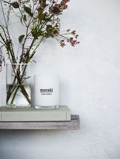 Wonderful scented candle with a refreshing and relaxing aroma.  The wax used is based on soybean oil, so it is pure vegetable, biodegradable and completely free of pollutants. This gives you a clean candle that sets off less soot compared to a regular candle as there are no synthetic additives. Shop it online in our store.