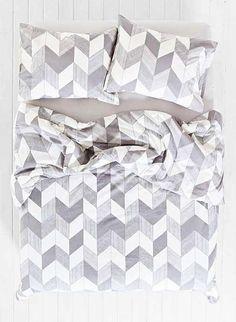 Viel zu schön um schon zu verlassen: Bettbezug aus Baumwolle in frischen Farben. Hier entdecken und kaufen: http://sturbock.me/zFi