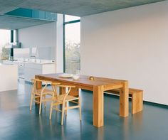 big foot table by E15 design Philipp Mainzer and wishbone chair by Carl Hansen design Hans Wenger