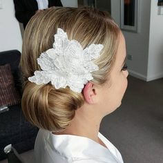 20 Side Bun Hairstyles for Every Day and Special Occasions