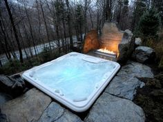 Den-Garten-mit-einem-modernen-Whirlpool-gestalten--