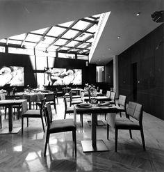 Hotel HUSA Paseo del Arte, restaurant. allende arquitectos. Madrid 2004. Photo by Ana Muller