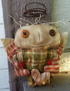 Here is a darling little girl to help you get started on your holiday decorating! She was made from unbleached muslin and stained in my