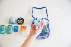 What to pack in your toiletry bag? This list has it all, plus some packing tips, travel products and our favorite recommended clear toiletry bag for travel! Weekend Trip Packing, Packing List For Travel, Travel Bags, Luggage Packing, Packing Hacks, Vacation Packing, Packing Lists, Cord Organization, Handbag Organization