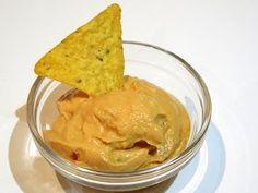 INGREDIENTES: 100 gr. de tomate natural troceado 90 gr. de cebolla troceada 200 gr. de queso Edam rallado 200 gr. de queso de untar P...
