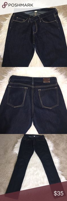 ✨BANANA REPUBLIC Jeans Gently used! Straight leg fit! Banana Republic Pants Straight Leg