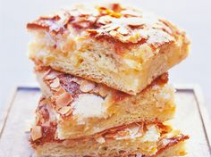 Saftiger Butterkuchen mit Mandeln Rezept - Fuersie.de