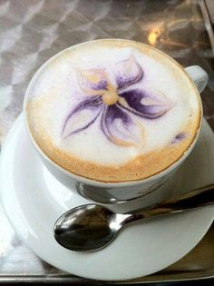 Flower design on cappuccino surface #coffee #caffé #cappuccino✖️More Pins Like This One At FOSTERGINGER @ Pinterest✖️
