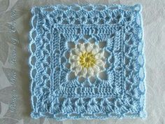 Beautiful color scheme ~~ Garden square with celtic lace join, apparently used just as edging (only 1 block displayed here)