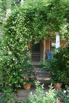 Ryan Gainey garden entrance May 8, 2011