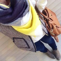Do you all feel like you're always running to the grocery store? Or is to just me? Keeping with the comfy and cozy theme with a sweatshirt and vest (I'm holding off on wearing coats as long as I can!)  Teacher style. OneTeachersStyle. Herringbone vest. Blanket scarf. Fall style. Fall fashion.