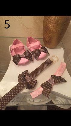 Deluxe Designer Babysets / Babyshower / Strassschnuller gr.0-6 monate für Mädchen / Girls Baby Shoes /  rhinestone pacifiers