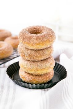 Things that look good to eat: Snickerdoodle Donuts - Broma Bakery