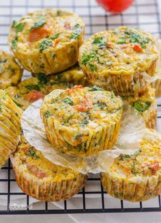 Muffins mit sonnengetrockneten Tomaten, Spinat und Quinoa | 19 leckere Mahlzeiten mit viel Protein, die Du super vorbereiten kannst