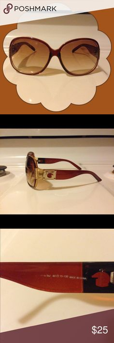 Guess Sunglasses Brown w/Gold Preowned excellent condition. No cloth or case Guess Accessories Sunglasses
