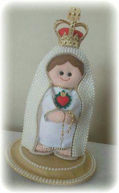 Religioso Felt Crafts, Snow Globes, Christmas Ornaments, Holiday Decor, Rose, Santa Barbara, Felting, Lovers, Cool Crafts