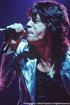 Mick Jagger, 1972 (photo by Ethan Russell) Mick Jagger Rolling Stones, Los Rolling Stones, Elvis Presley, Billy Preston, Rollin Stones, Singer One, Stone World, Charlie Watts, Muddy Waters