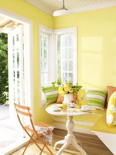 Yellow Kitchen Decor to Brighten Your Cooking Space - DIY Home Art Yellow Room, Room Colors, Kitchen Colors, Decor, Bright Decor, Interior, Dining Nook, Home Decor, Yellow Walls