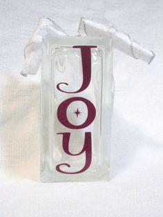 Vinyl for Glass Blocks Designs Christmas Decals, Christmas Blocks, Primitive Christmas, Dyi Crafts, Vinyl Crafts, Vinyl Projects, Decorative Glass Blocks, Lighted Glass Blocks, Glass Cube