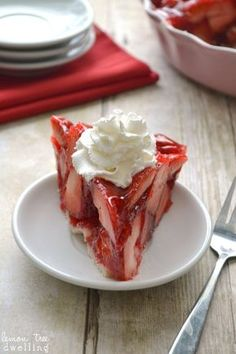 Fresh Strawberry Pie easy pat in pancrust included. A keeper!