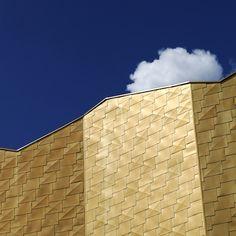 """A Cergy-Pontoise, dans le quartier """"Grand Centre"""" en cours de réaménagement, l'agence GPAA / Gaëlle Péneau Architecte et Associés signe l'extension et la modernisation du Théâtre 95."""