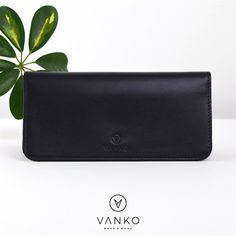 A handmade card holder created from carefully selected, high quality materials. The design is based on refinement and functionality, so all your cards are efficiently organised and tidy, and the extra inside pocket is suitable for keeping banknotes. Leather Design, Leather Accessories, Italian Leather, Timeless Design, Your Cards, Love Fashion, Leather Wallet, Card Holder, Pure Products