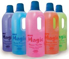 Magic 1 L >> Aromatizante y limpiador líquido para pisos, concentrado, biodegradable.    Pisos relucientes... ¡ DELICIOSO AROMA !    Elimina grasa, polvo y mugre. Da vida a sus pisos, mejorando la apariencia y dejando una agradable fragancia ambiental.    5 aromas: Lavender, Ocean Breeze, Flower Garden, Orange Glow y Lemon Lime.  Rinde 125 L