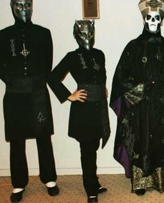 Alpha, Mist, and Papa Emertius Ghost Papa, Ghost Bc, Music Do, Music Bands, Martin Persner, Band Ghost, Funny Ghost, Ghost And Ghouls, Ghost Photos