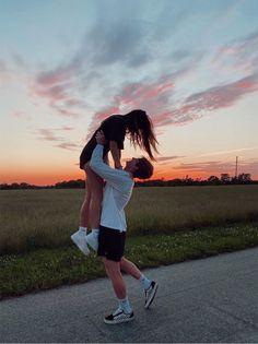 Cute Couples Photos, Cute Couple Pictures, Cute Couples Goals, Couple Photos, Cute Boyfriend Pictures, Freaky Pictures, Prom Pictures, Beautiful Pictures, Image Couple