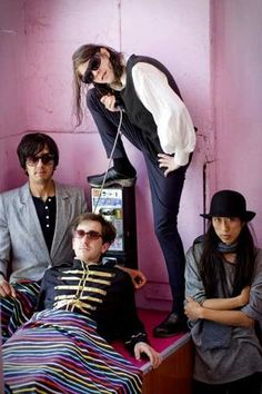 Listen to Ariel Pink Radio, free! Stream songs by Ariel Pink & similar artists plus get the latest info on Ariel Pink! Pink Musician, Modern Country Music, Pink Radio, Ty Segall, 2000s Music, Listen To Free Music, Top Albums, Boy Music, Band Photography