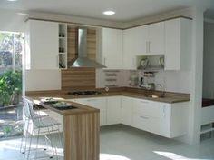O armário embutido para cozinha pequena faz total diferença no ambiente, tanto no aspecto espaço como na decoração do mesmo.