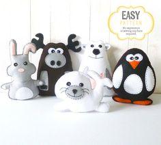 Cette liste est pour cinq senti motifs de couture main animaux empaillés polaire : un lapin, un orignal, un ours polaire, un pingouin et un