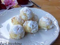 I cocchini sono semplici e deliziosi dolcetti da fare in un minuto ...... Ingredienti: -170 grammi di farina d...