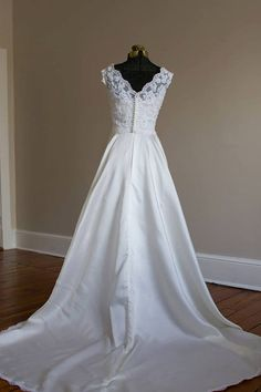 Priscilla Of Boston Silk And Lace Wedding Gown Xs Pee