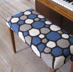 Hæklet betræk til klaverbænk