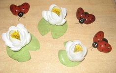 DIY Spoon Ladybugs and Flowers
