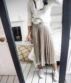 b4d167471c7c 25 Best Pink Pleated Skirt images | Pleated skirt outfit, Dress ...