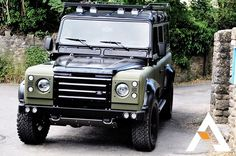 Land Rover Defender…