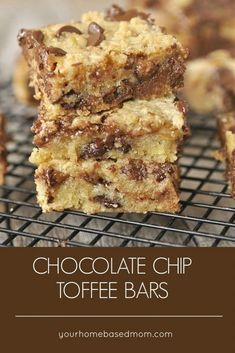 Chocolate Chip Toffee Bars Recipe #chocolatechiptoffeebars #toffeebars #chocolatechip #toffee #dessertbars #cookiebars #dessertbarsrecipes