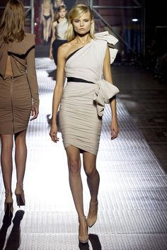 Lanvin Spring 2013 Ready-to-Wear Fashion Show - Magdalena Frackowiak