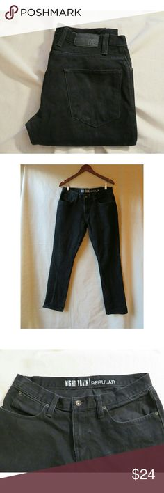 """Free World Men's Jeans Night Train Black 31 R Awesome jet black slim straight leg denim for guys from Free World. """"Night Train"""" size 31 Regular, 100% Cotton with some stretch. Measures lying flat 15.75"""" across waist, 9.5 rise, 21.75"""" across hips, 31.25"""" inseam. Some factory feathering around knees. Stock photo for reference only. Like new, look like they were worn once! #744 Free World Jeans Slim Straight"""