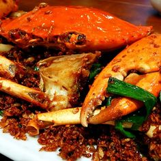 Great news and good deal for seafood fanatics! Savour the HK's must-try Typhoon Shelter Crab (避風塘炒蟹) at Hee Kee Crab General (喜記蟹將軍) for a lower price with Locaclick. Download the app for free and present the virtual coupon to save HKD100 on purchasing one Typhoon Shelter Crab or simply enjoy a 10% off dinner bill at the 2 branches of Hee Kee Crab General in Causeway Bay and Tsim Sha Tsui. Get the app now and pocket more sweet deals at http://www.app.locaclick.com/aahk #allabouthongkong