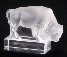 LALIQUE FROSTED CRYSTAL BUFFALO. : Lot 1242143