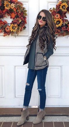 Winters are here and you think you are left with far fewer options to experiment with. Well no! With these Casual Winter Work Outfits ideas, getting ready #fashionfall